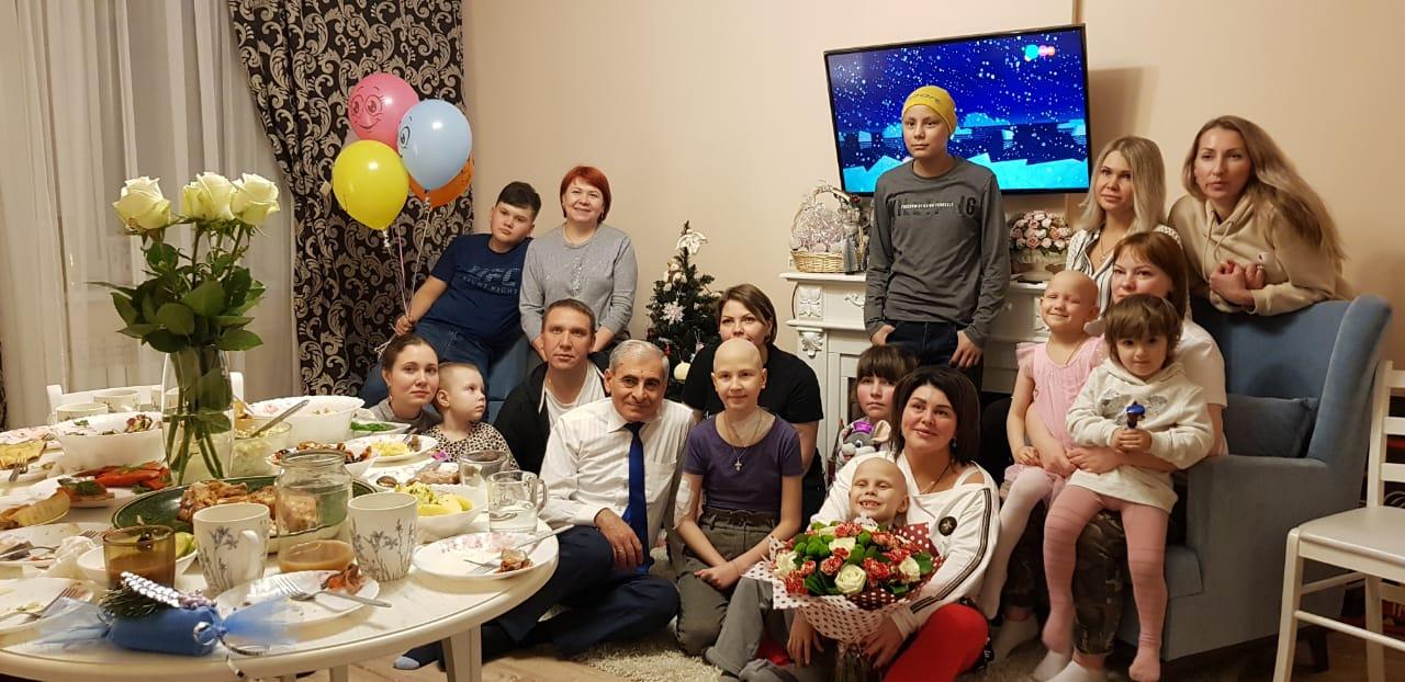 //savethelife.ru/wp-content/uploads/2020/03/CHAepitie-v-Dobrom-dome.jpeg